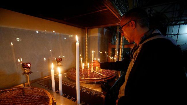 Peziarah Padati Bethlehem Rayakan Malam Natal