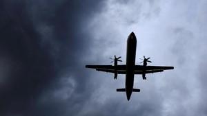 Pesawat Berpenumpang 66 Orang Jatuh di Iran