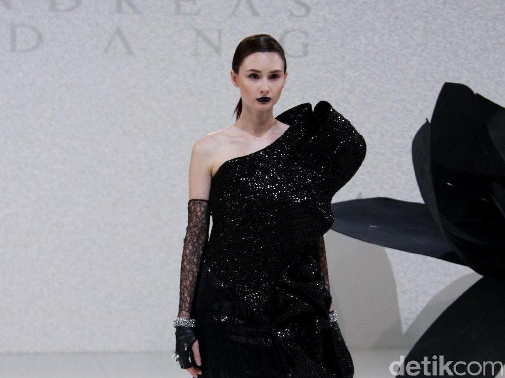 Foto: Koleksi Andreas Odang di IPMI Trend Show 2017