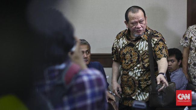Netizen 'Ributkan' Blak-blakan La Nyalla soal Mahar Prabowo