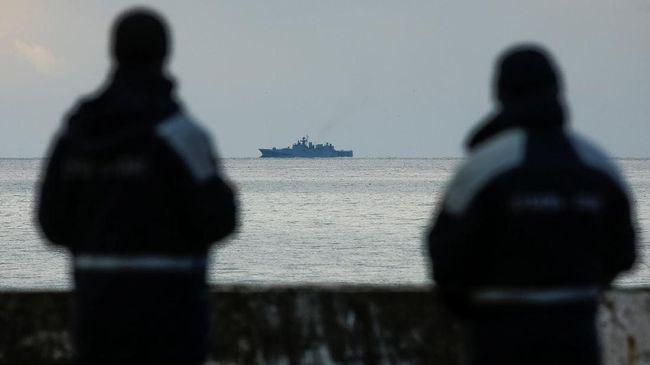 Rusia Evakuasi 70 Korban Pesawat yang Jatuh di Laut Hitam