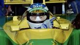 Hanya lewat satu kali membalap bersama Jordan-Ford sebagai pebalap pengganti, Michael Schumacher membuat Direktur Benetton kepincut untuk merekrutnya. Pebalap didikan akademi Mercedes-Benz ini pun memulai perjalanannya di ajang F1 di usia 22 tahun. (AFP PHOTO / Eric CABANIS)
