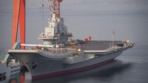 Kapal Induk China Berlayar di Selat, Taiwan Waspada