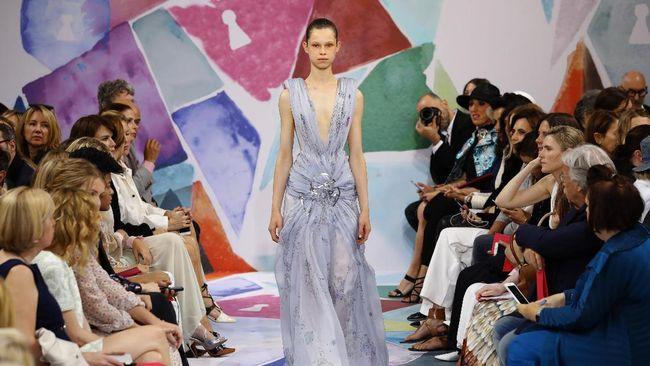 Schiaparelli Masuk Jajaran Rumah Mode Haute Couture
