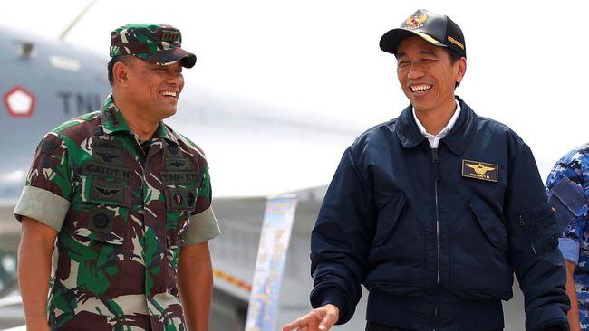 Saat Gatot dan Jokowi Saling Bicara Kesetiaan di HUT TNI