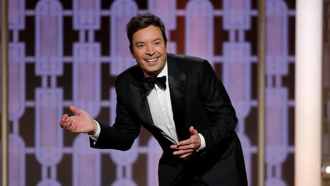 Golden Globe Awards, salah satu penghargaan bergengsi di dunia perfilman Hollywood, kembali digelar. Jimmy Fallon membawakan acara yang digelar di Beverly Hills Hilton Hotel California, Minggu (8/1) waktu setempat itu. (Paul Drinkwater/Courtesy of NBC/Handout via REUTERS)