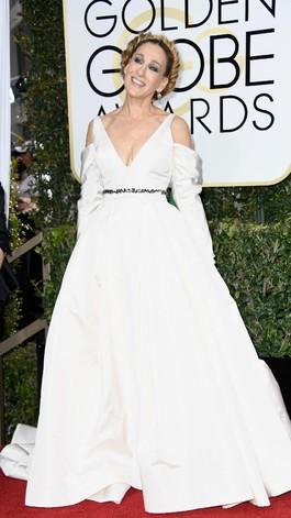 Sarah Jessica Parker Bergaya ala Princess Leia di Golden Globes 2017