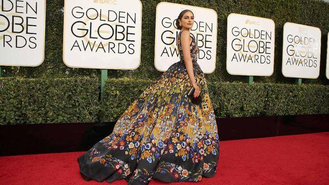 Olivia Culpo Dipilih Jadi Perempuan Terseksi 2019