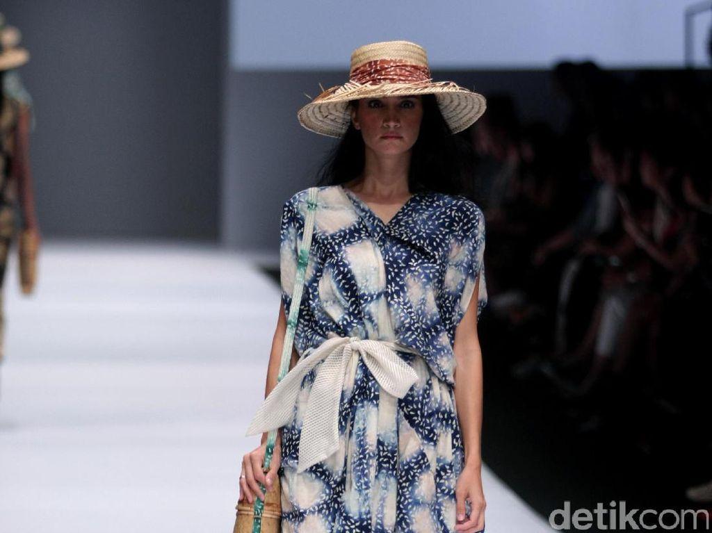 Foto: Koleksi Purana for Blibli di Jakarta Fashion Week 2017