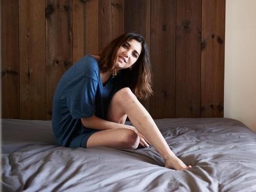 Cara Praktis dan Murah Mencerahkan Siku dan Lutut yang Menghitam