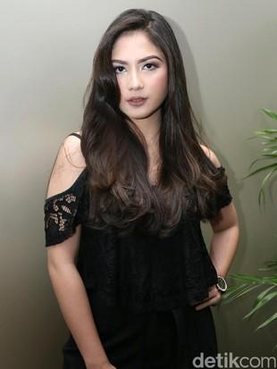 Foto: Gaya Jadul 5 Artis Cantik Indonesia Saat Jadi Gadis Desa