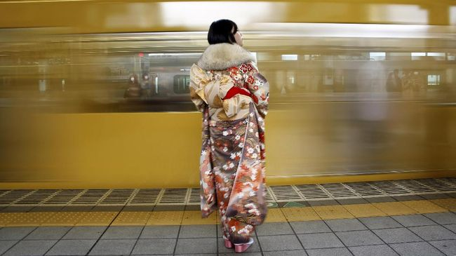 Perempuan Pemilik Obi Kimono Terbanyak di Dunia