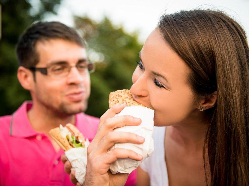 Catat! Ini Daftar Makanan dan Minuman yang Bisa Bikin Cepat Tua
