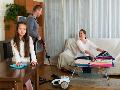 Kompak Bersihkan Rumah Bersama Keluarga agar Kelihatan Baru
