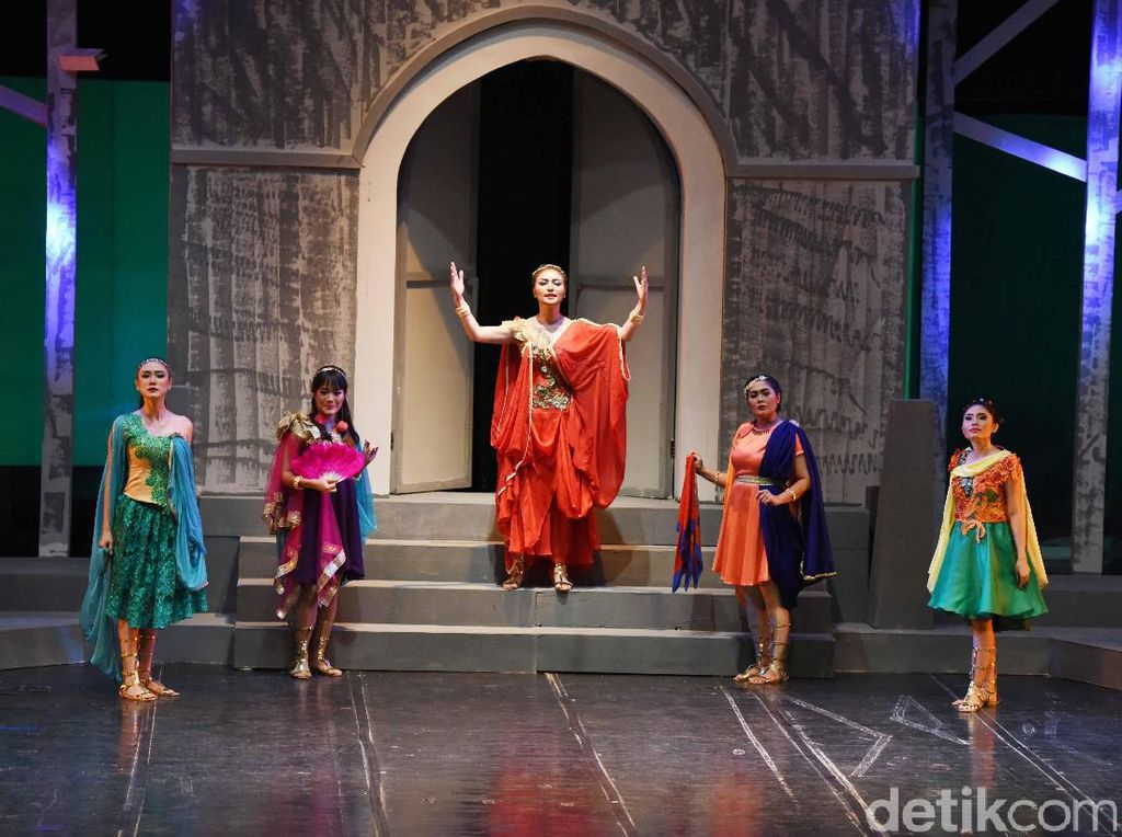 Citra menjalani enam bulan proses latihan untuk mendalami karakter sebagai Lysistrata. Foto: Noel/detikHOT