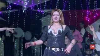 Warga Mesir Gelar Pesta untuk Tabungan 'Kolam Uang'