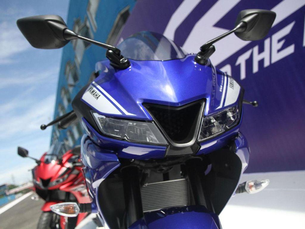 Yamaha R15 (termasuk all new R15) terdistribusi sebanyak 50.798 unit. Foto: Grandyos Zafna
