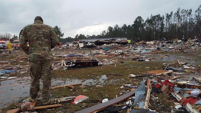 Badai Besar Hantam Selatan AS, 18 Orang Tewas
