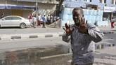 Belasanorang tewas akibat serangan teror yang diduga dilakukan militan Al Shabaab ini. Puluhan lainnya menderita luka-luka.(REUTERS/Feisal Omar)