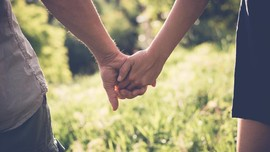 Trik 'Memuluskan' Hubungan Pernikahan Sekantor