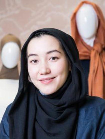 Wow, Hijab Karya Hana Tajima Masuk Museum Seni di New York