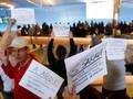 Pelarangan Trump Picu Demonstrasi di Sejumlah Bandara AS