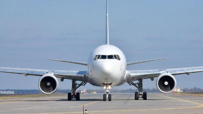 Jatuh dari Pesawat, Pramugari Emirates Dirawat di Uganda