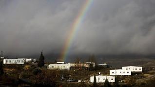 Polisi Israel Usir Pemukim Yahudi Ilegal di Tepi Barat