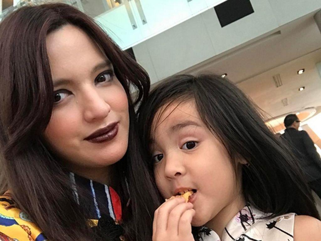 Padahal Nia sudah memiliki tiga orang anak.Dok. Instagram/ramadhaniabakrie