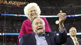 George HW Bush Minta Maaf Dituding Lecehkan Aktris
