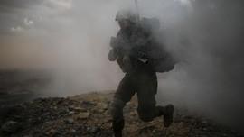 Dibantu Israel, Ratusan 'White Helmets' Suriah Dievakuasi