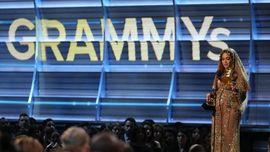 Alasan Grammy Awards 2017 Pilih Adele, Bukan Beyonce