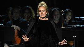 Cerita 'Adele Kecil' Di Balik Adegan Menangisi George Michael