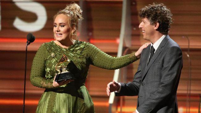 'Hello' Adele Lagu Terbaik Grammy Awards 2017