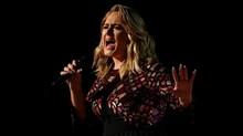 Adele Bercerai dari Simon Konecki