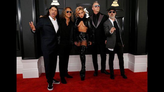 Kolaborasi di Grammy, Lady Gaga Bikin Tato Lagu Metallica