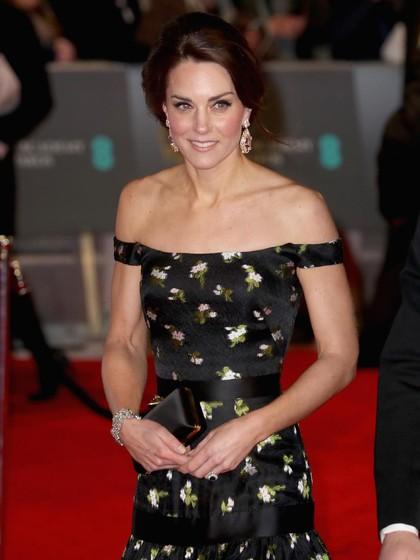 Kate Middleton Sampai Emma Stone, Ini 7 Seleb Berbusana Terbaik di BAFTAs 1