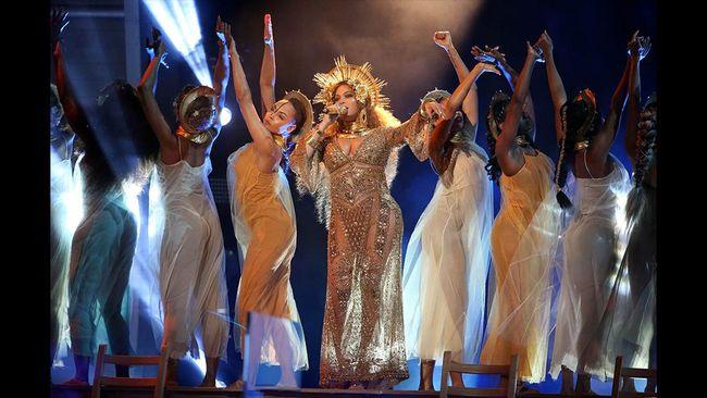 Coachella Bidik Lady Gaga & Taylor Swift Gantikan Beyonce