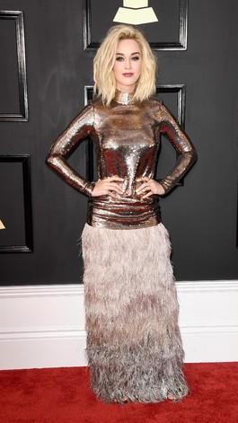 Katy Perry Pakai Makeup di bawah Rp 100 Ribu Saat Datang ke Grammy Awards