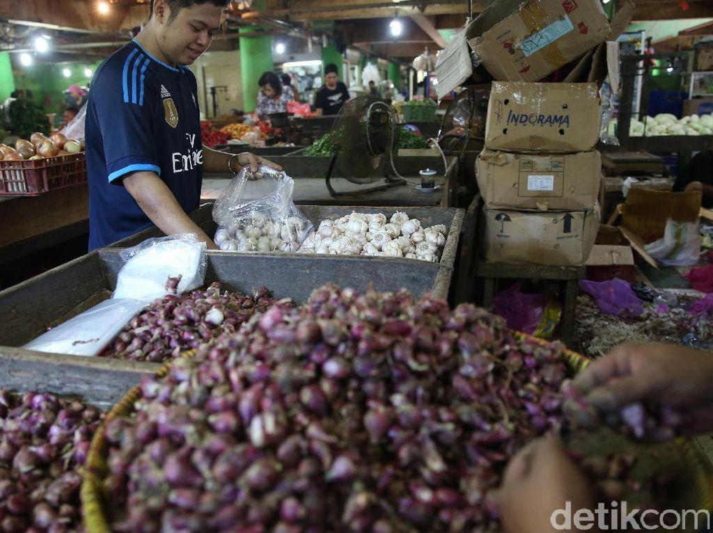 Bawang merah Rp 40.000/kg di Pasar Jembatan Lima.