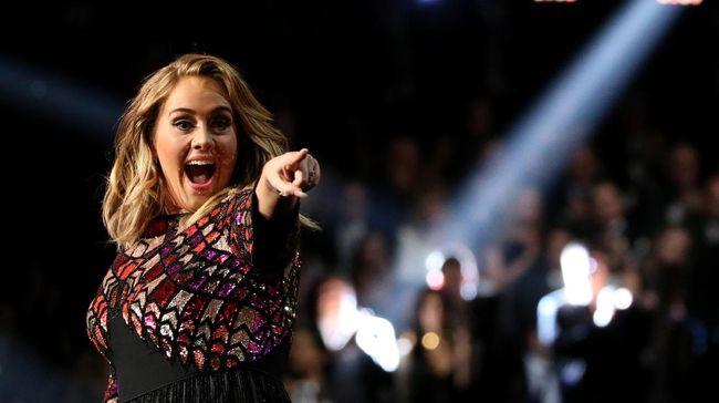 Adele Singgung Album Baru di Ucapan Ulang Tahun