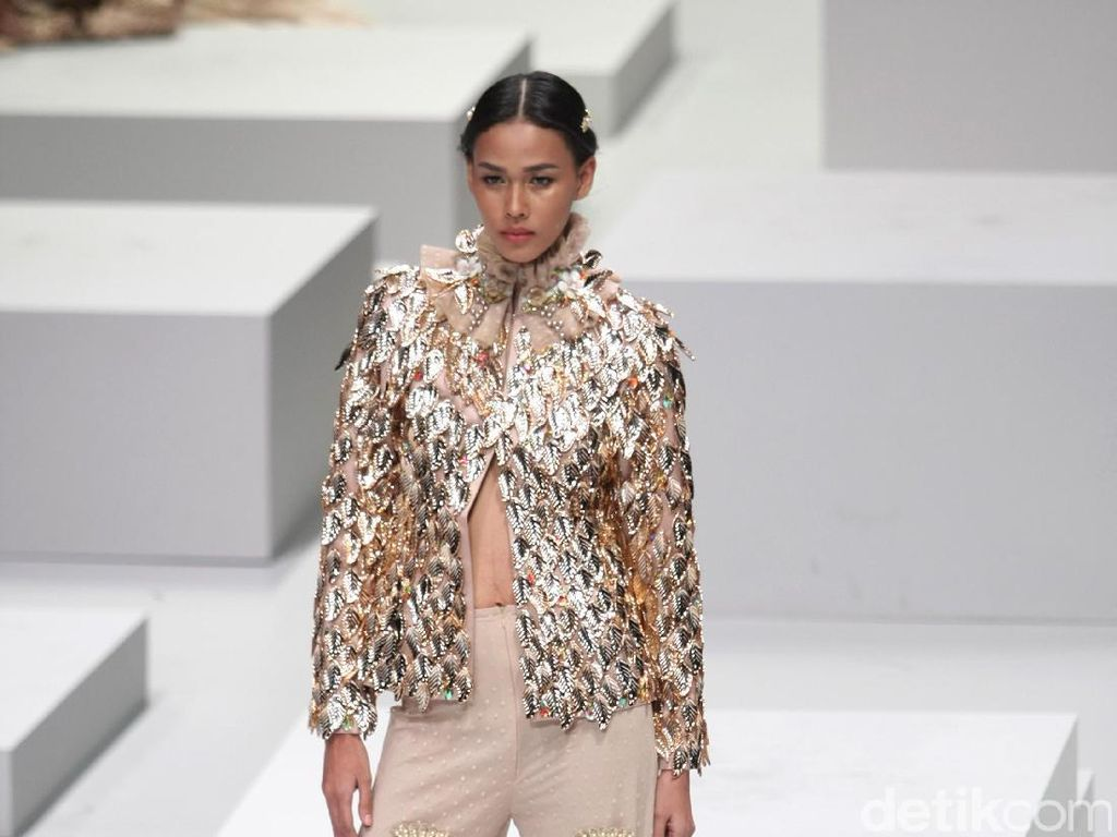 Foto: Koleksi Malik Moestaram di Indonesia Fashion Week 2017