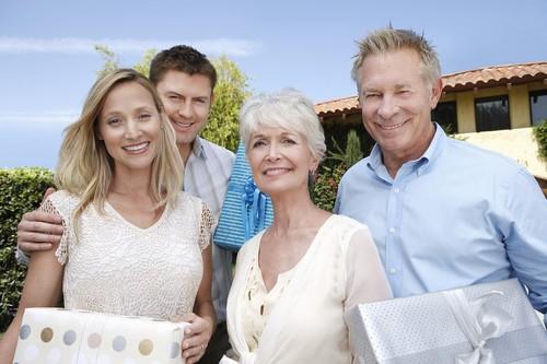 Survei: Ini yang Diinginkan Orangtua Dari Calon Menantunya