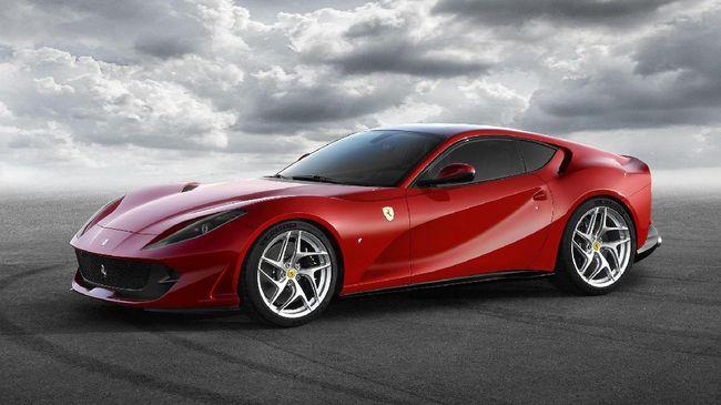 Penantian Panjang 'Pindahkan' Ferrari 812 Superfast ke Garasi