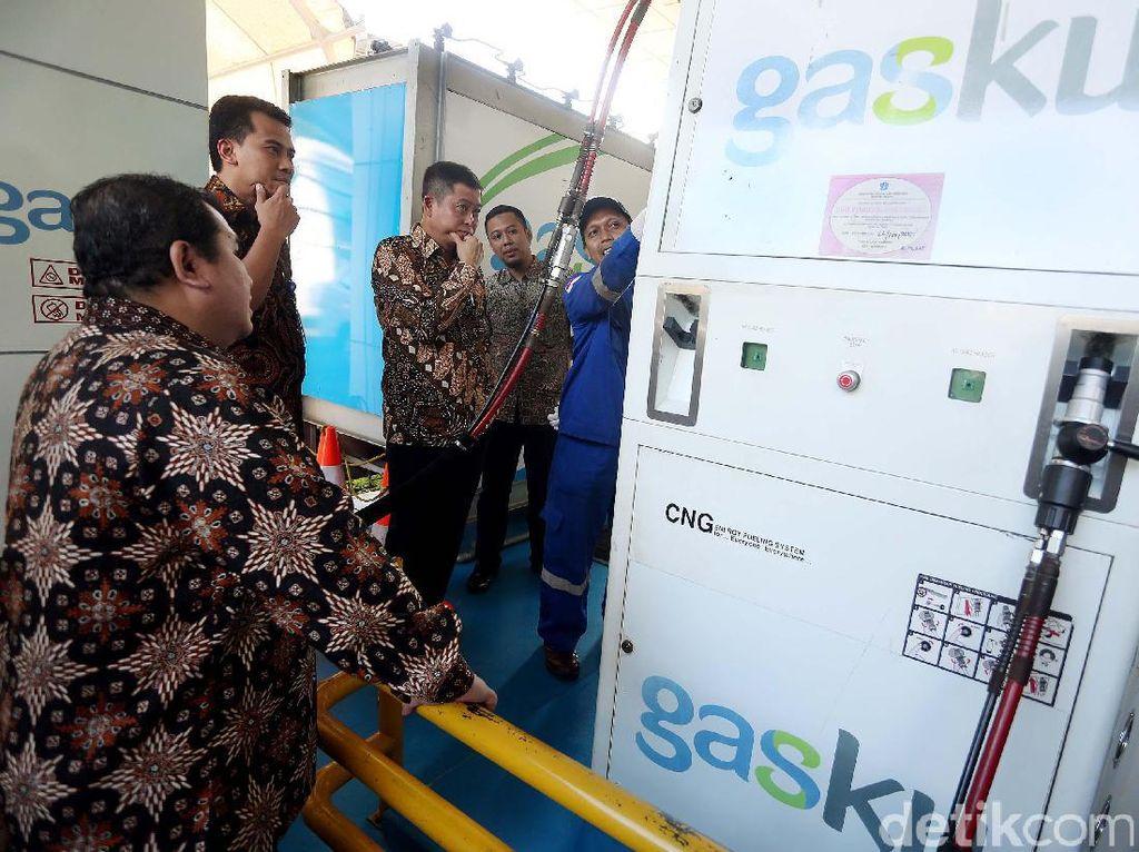 Menteri ESDM Ignasius Jonan berbagi pengalamannya kepada ratusan pegawai PT Perusahaan Gas Negara Tbk (PGN) yang hadir pada acara Leaders Talk di Kantor Pusat PGN, Jakarta, Jumat (17/2/2017).