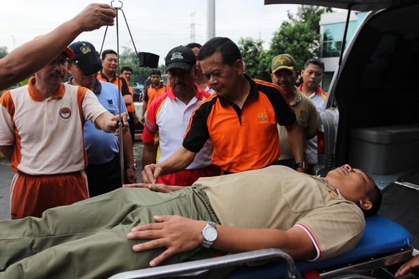 ASABRI Serahkan 6 Ambulans
