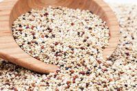 Quinoa yang digadang sebagai salah satu super food ini adalah sumber protein tinggi, selain itu juga rendah lemak dan tinggi serat. Quinoa enak untuk di makan dalam keadaan panas atau pun dingin. Foto: Getty Images