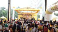Kegiatan ini menampilkan banyak hiburan musik seperti penampilan dari pasien kanker, DJ, band Nidji dan marching band. Serta fun walk kampanye yang dilakukan peserta dari lobby FX Sudirman hingga Gelora Bung Karno (GBK) dan kembali lagi. (Foto: Puti)