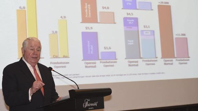Berbeda dengan penambang tradisional, CEO Freeport-McMoRan Inc. Richard Adkerson malah meminta pemerintah menghormati Kontrak Karya, atau akan menyeret pemaksaan Izin Usaha Pertambangan Khusus ke arbitrase. (ANTARA FOTO/Akbar Nugroho Gumay)