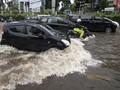 Hindari Parkir Mobil Kondisi Basah dalam Waktu Lama